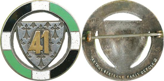 Quelques insignes (Flo45) In10410000